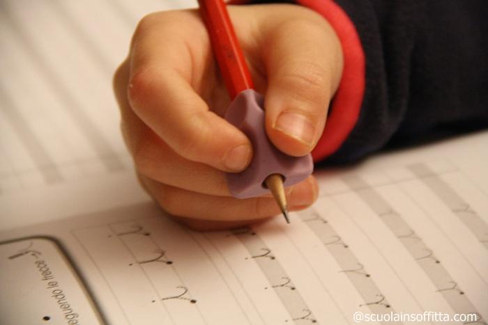 insegnare a scrivere in corsivo
