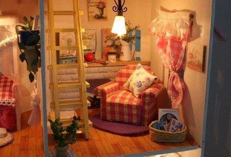 Le pi belle case delle bambole in legno scuolainsoffitta for Arredamenti delle case piu belle