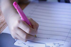 invogliare i bambini che non amano scrivere