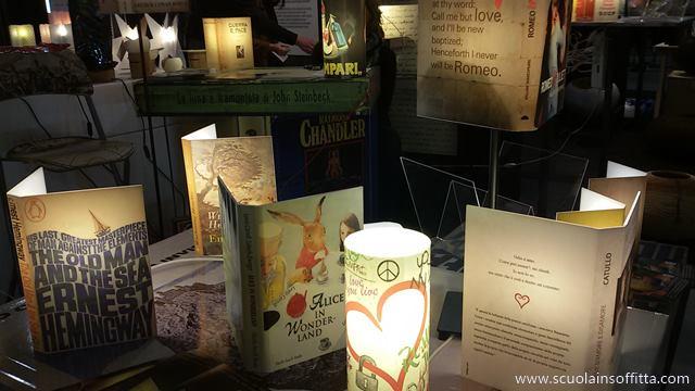 lampade a forma di libro