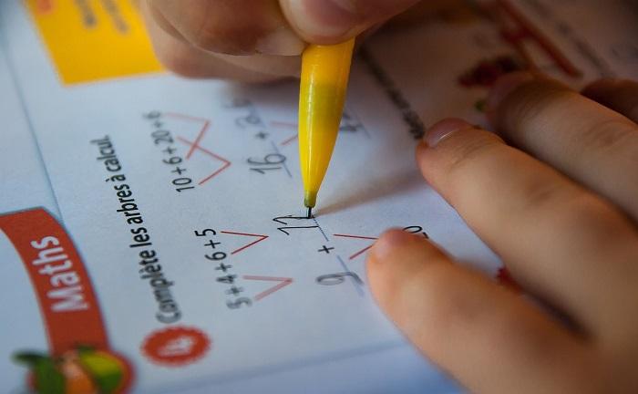 Compiti delle vacanze tra quinta elementare e prima media