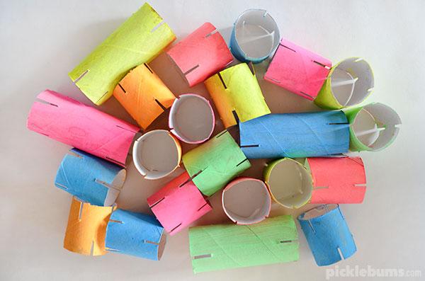 costruzioni fai da te per bambini con rotoli di carta
