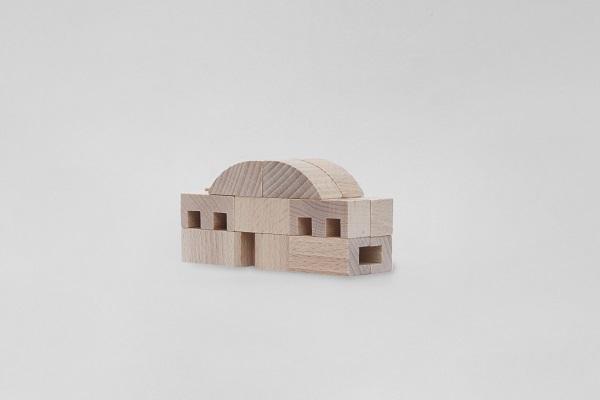 Gioco di Munari: scatola di architettura