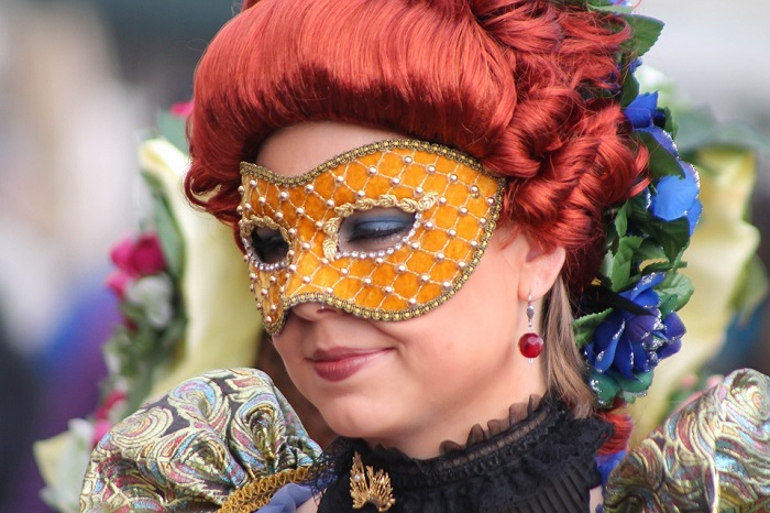 new arrival 08577 7494f 5 Siti di vendita online di vestiti di Carnevale ...