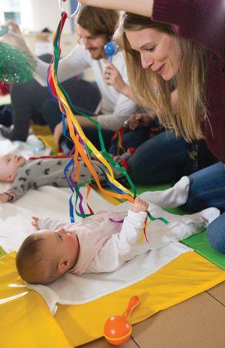 gioco sensoriale per neonati fai da te