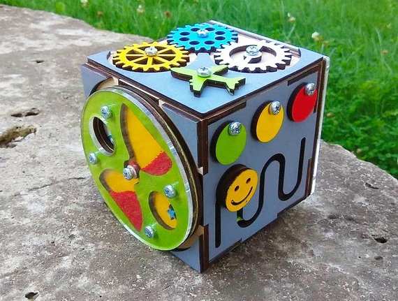 materiale montessori busy board