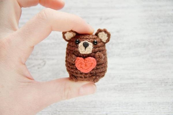 Orso con cuore per San Valentino