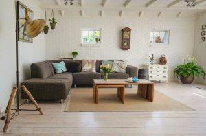 Routine di pulizie: tenere in ordine la casa con poco tempo