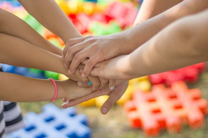 Libri pr bambini sul fare gruppo e collaborazione